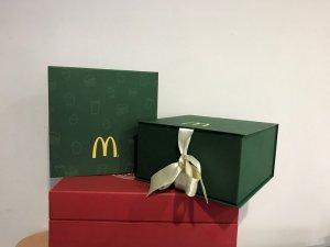 Kartonska Kutija - Knjiga sa ukrasnom vrpcom